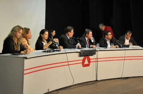 Deputados defenderam a importância da capacitação dos conselheiros tutelares