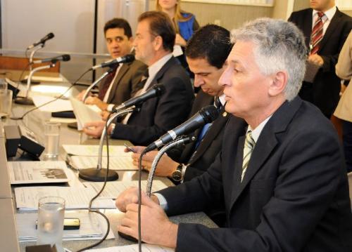 Parlamentares defenderam a proposta do PL 1.353/11