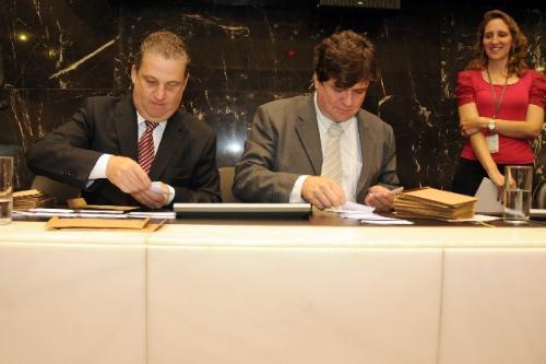 O voto para eleição da Mesa será aberto e eletrônico; antes, deputados usavam cédulas de papel em votação secreta - Arquivo/ALMG - Foto:Guilherme Bergamini