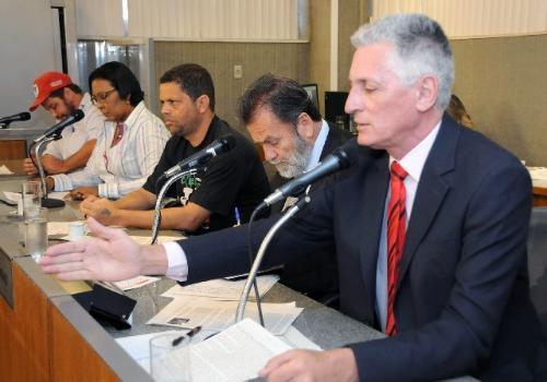 Parlamentares falaram sobre a inconstitucionalidade da Lei Complementar 100