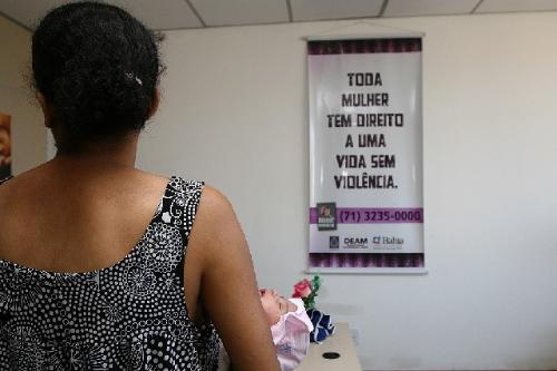 Mapa da Violência de 2015 indica que, em 2014, foram atendidas pelo SUS 23.630 mulheres vítimas de violência sexual