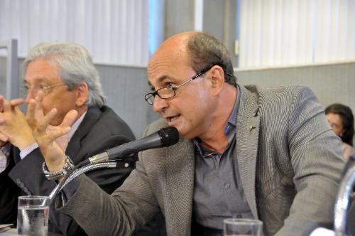 O procurador Afonso Henrique parabenizou os membros de ocupações pela luta pela terra