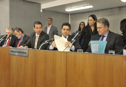 Alguns deputados consideraram que as respostas dadas na reunião não foram satisfatórias