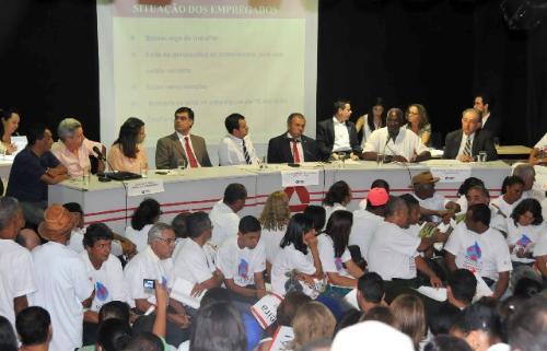 Deputados sugeriram que se cobre dos candidatos ao governo uma posição clara sobre as reivindicações