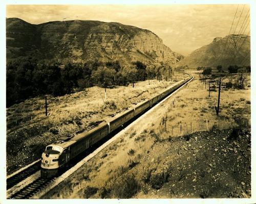 Foto da estrada de Ferro Vitória-Minas, provavelmente do ano de 1947.