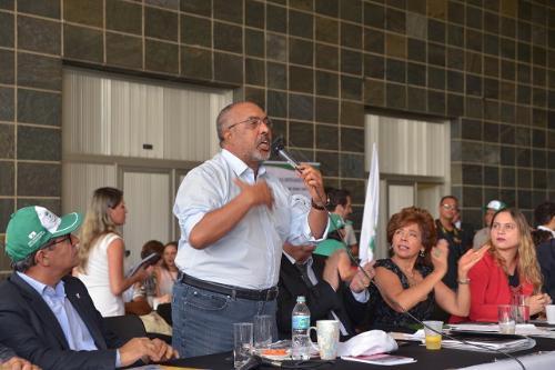 Senador Paulo Paim está visitando vários Estados na mobilização contra a reforma